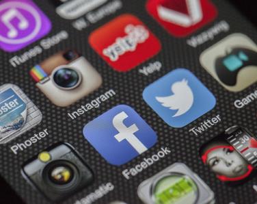 réseaux sociaux caen